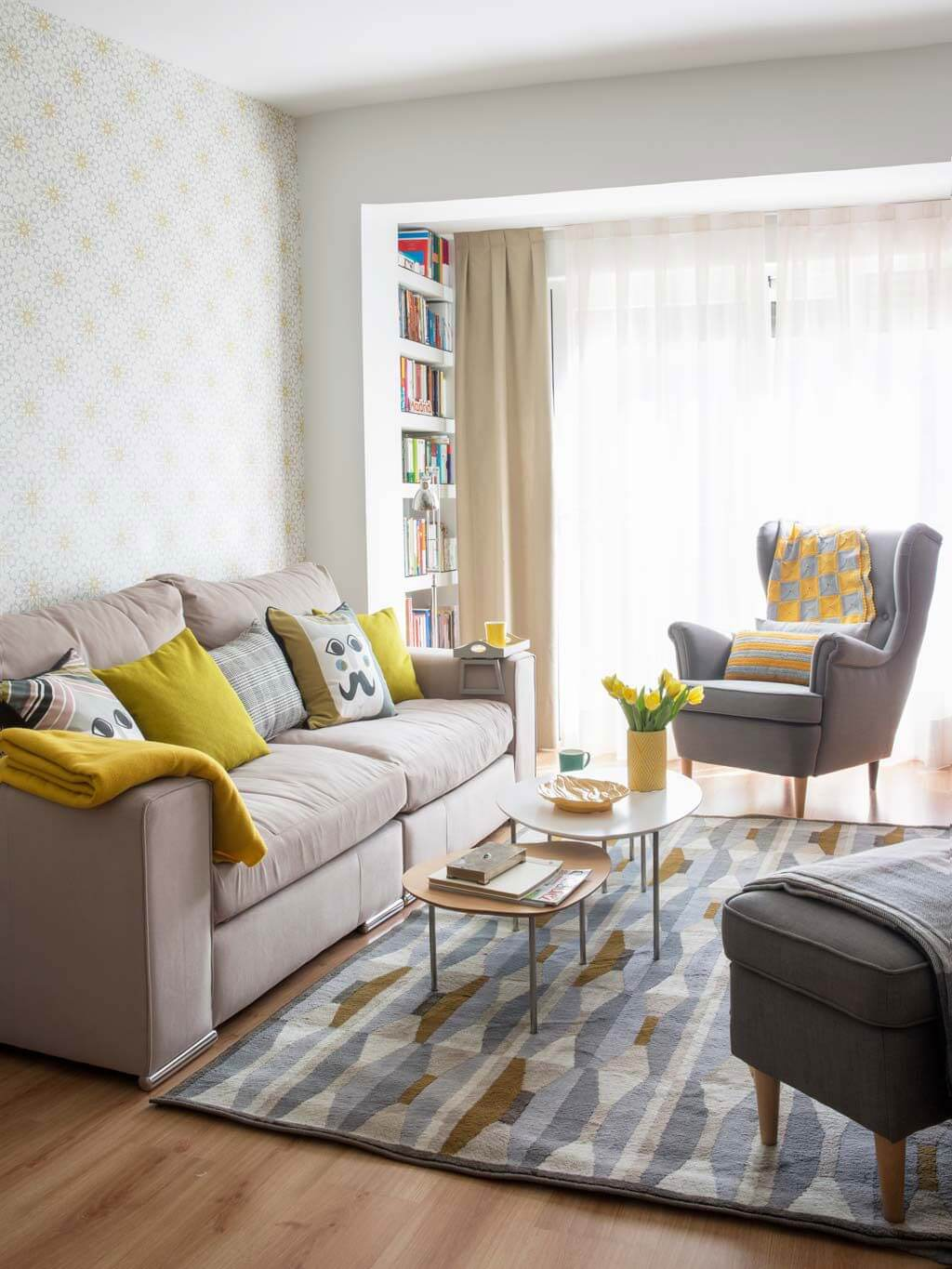 25+ Best Small Living Room Decor and Design Ideas for 2020 on Small Living Room Decorating Ideas  id=28080