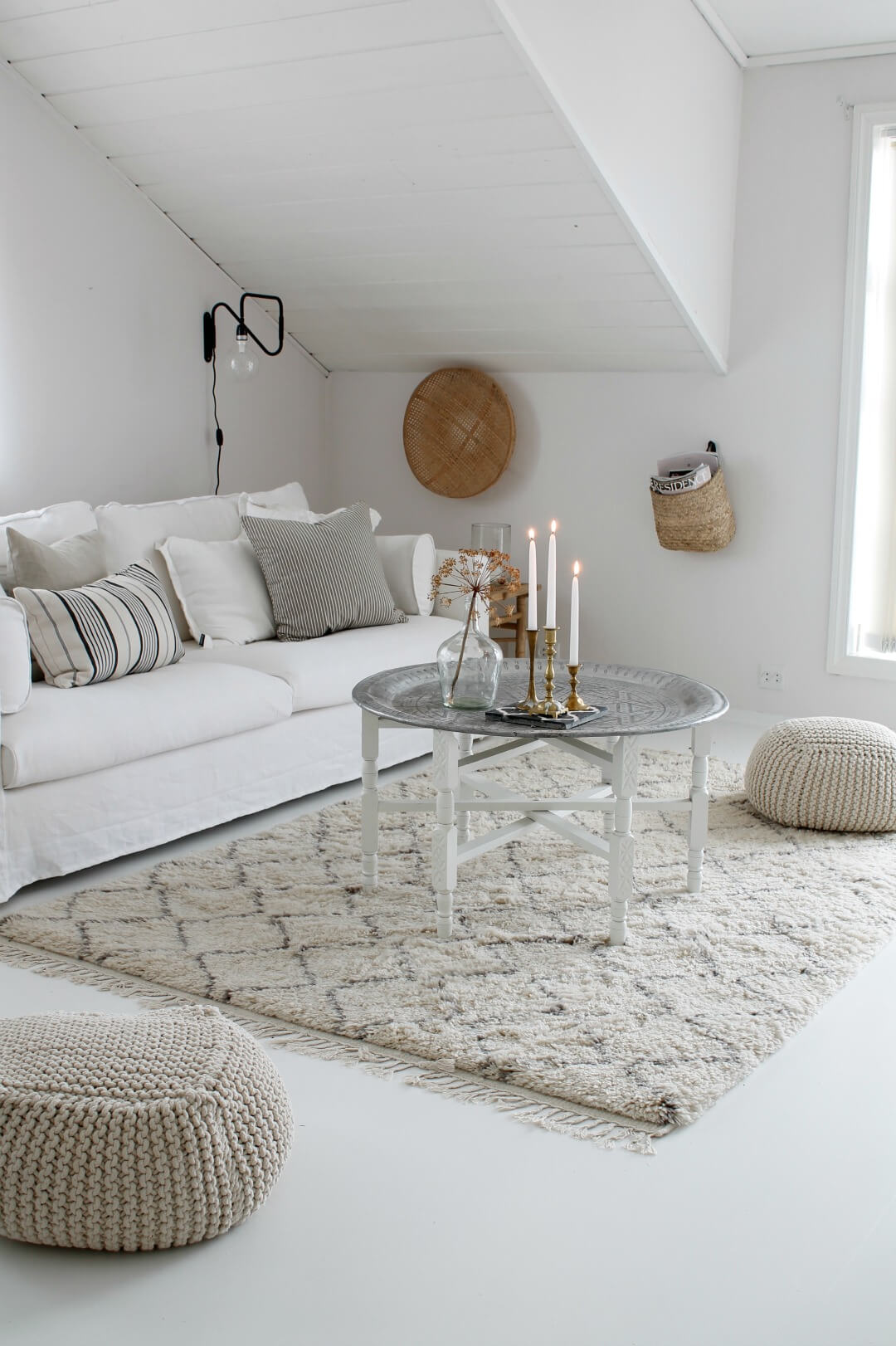 25+ Best Small Living Room Decor and Design Ideas for 2020 on Small Living Room Decor Ideas  id=79136