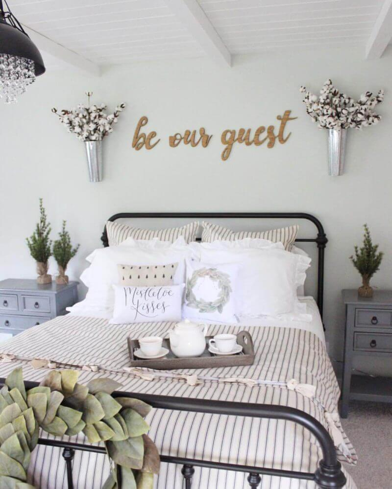 25+ Best Bedroom Wall Decor Ideas and Designs for 2020 on Bedroom Wall Decor  id=77151