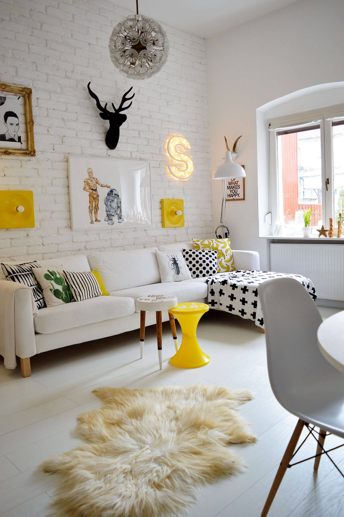 25+ Best Small Living Room Decor and Design Ideas for 2020 on Small Living Room Ideas 2019  id=32004