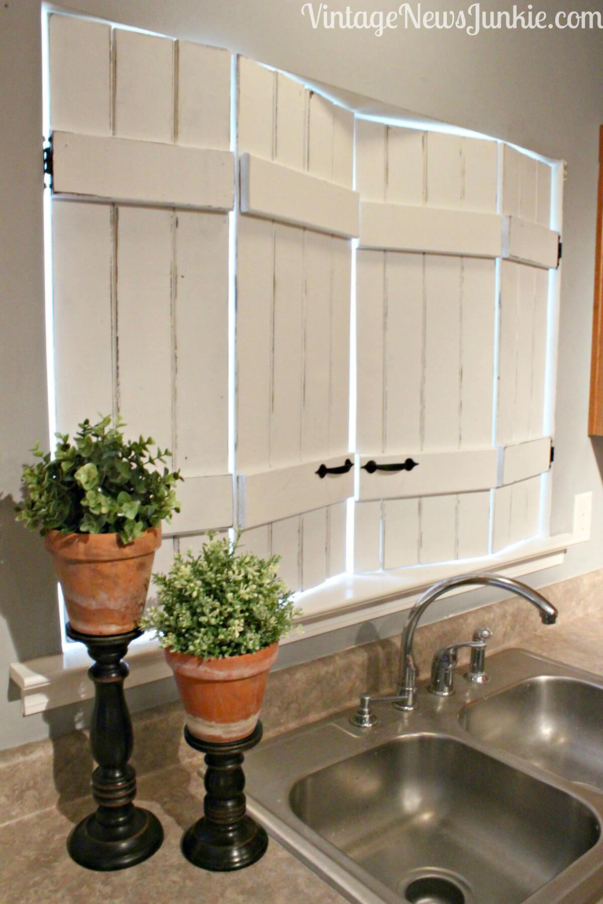 26 Best Farmhouse Window Treatment Ideas and Designs for 2020 on Farmhouse Curtain Ideas  id=20936