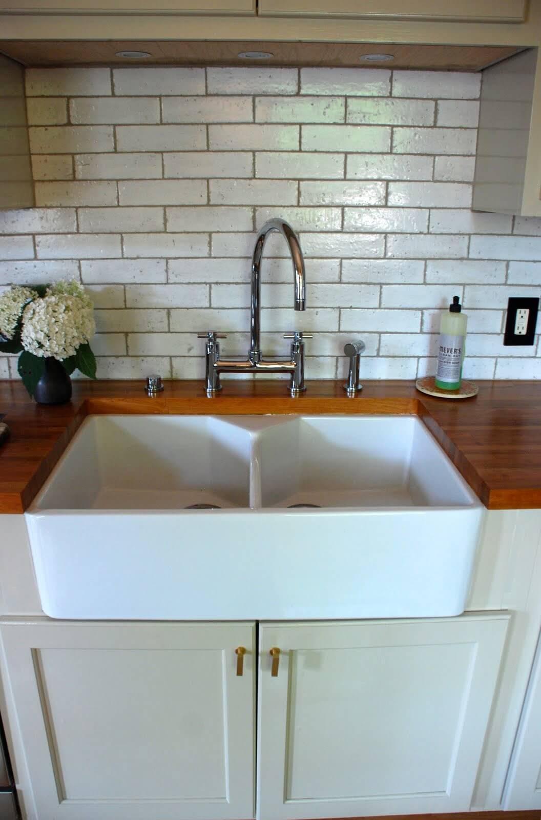 26 Farmhouse Kitchen Sink Ideas and Designs for 2020 on Kitchen Sink Ideas  id=87740