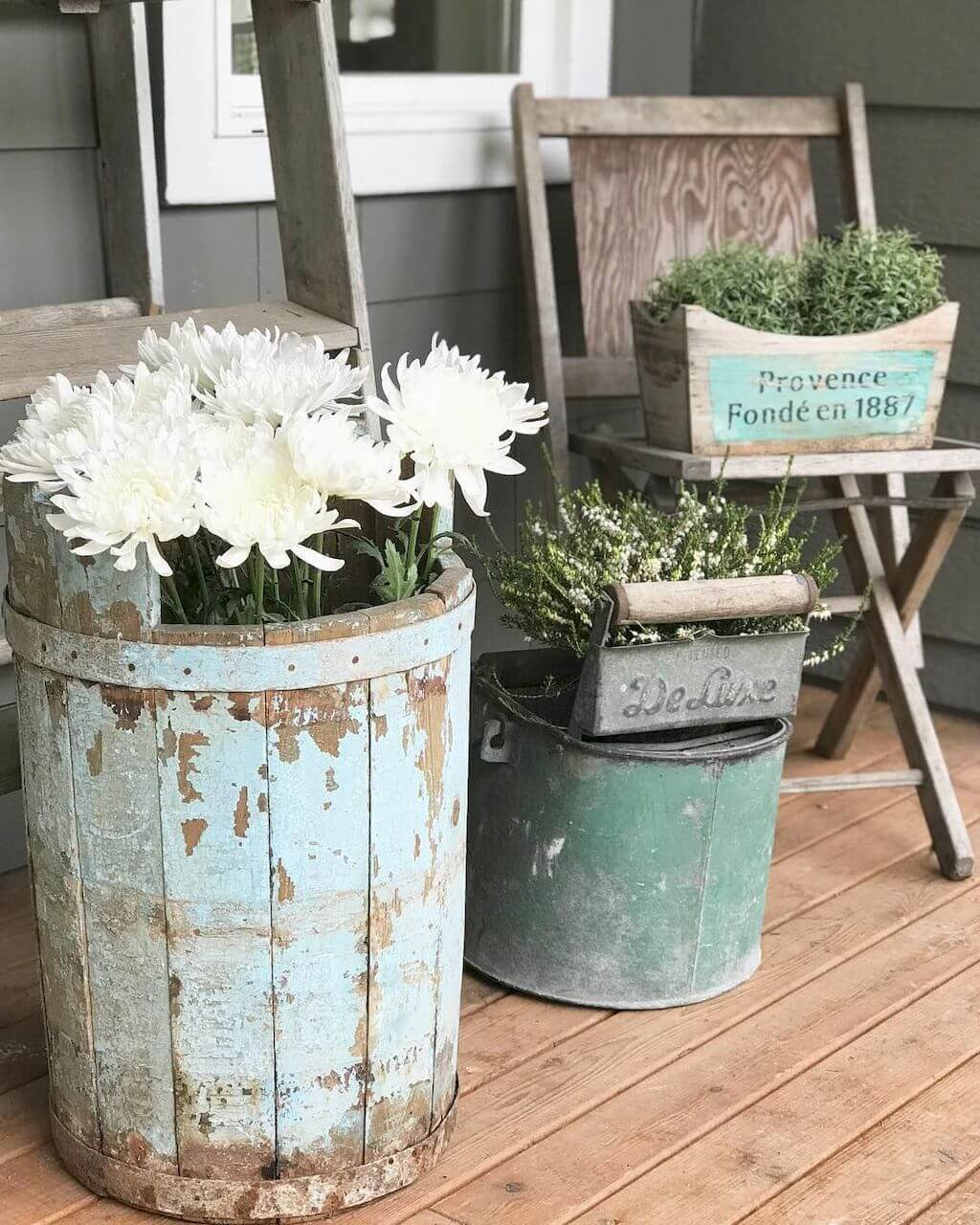 17 Best Farmhouse Outdoor Decor Ideas and Designs for 2020 on Lawn Decorating Ideas  id=55210