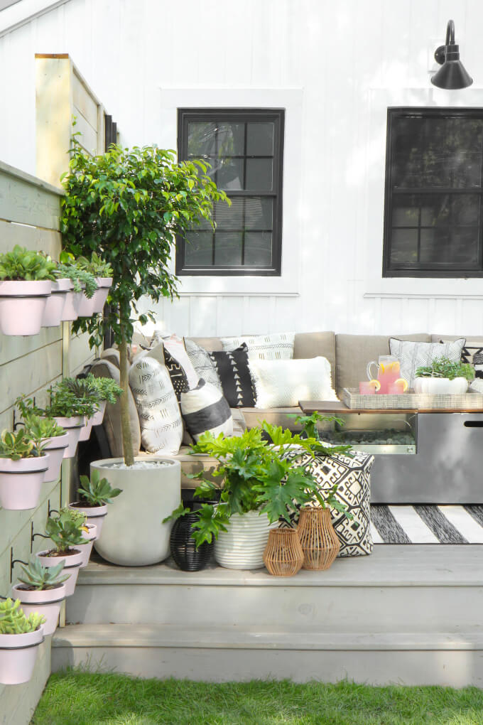 17 Best Farmhouse Outdoor Decor Ideas and Designs for 2020 on Backyard Decorating Ideas  id=46958