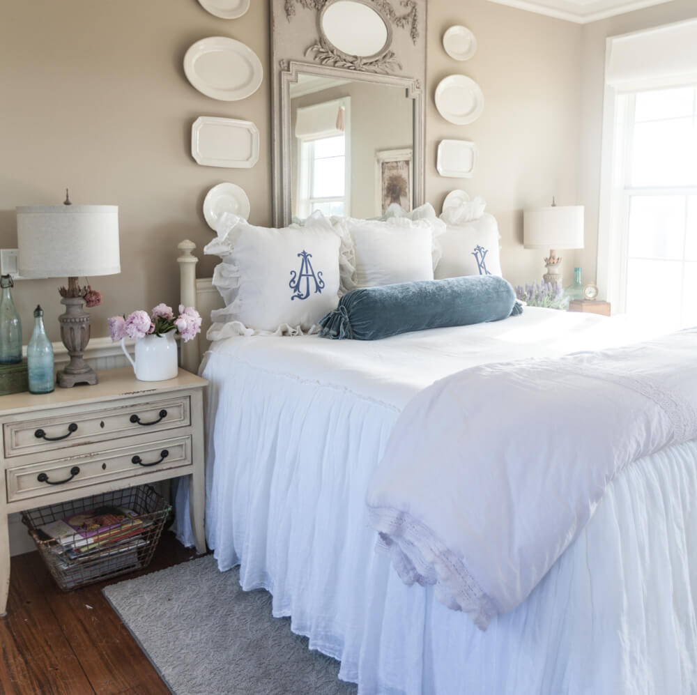 25 Best Cozy Bedroom Decor Ideas and Designs for 2020 on Room Decor Ideas  id=85441