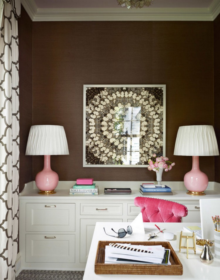 Jaki kolor jest idealnie nadaje się do brązowych wskazówek na pięknych kombinacjach kwiatów