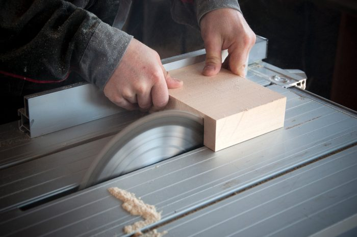 The Best Tips to Start a Woodworking Business from Home