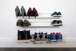 Listwa na buty SHOE RACK (https://www.homebutik.pl/j-me-listwa-na-buty-biala-stal-szczotkowana-9x14x70-cm,k011005005,a3777.html)