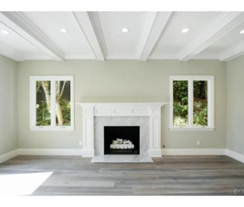 Judd-Apatows-home-fireplace-7e4dbe-574x430