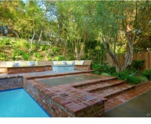 Judd-Apatows-home-pool-fa8a16-589x415