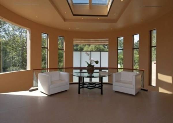living-area-701a72-573x430