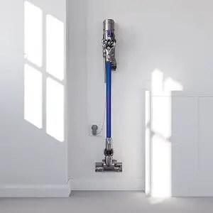 vacuum cleaner recharging
