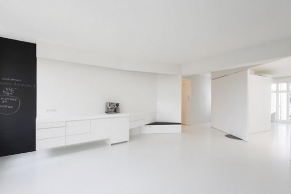 super-white-apartment-interior-spacious-design