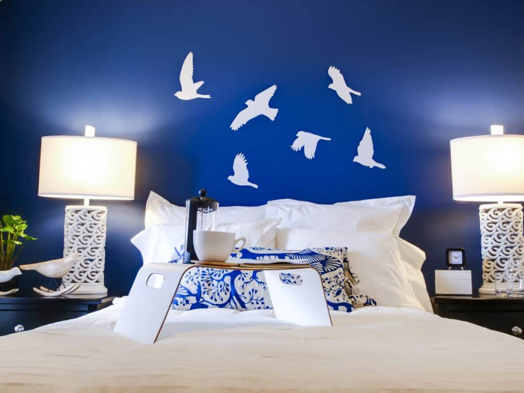 Do Bedside Tables Have To Match The Bed 8 Picture Examples