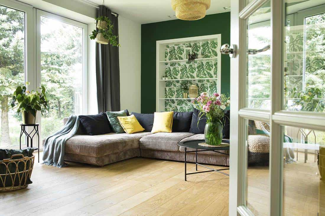 what curtains go with green walls