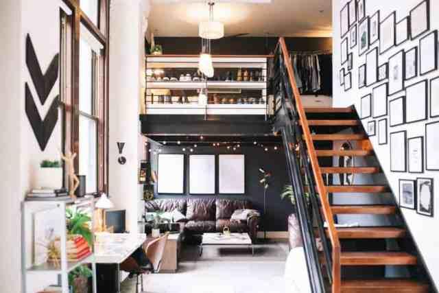 Geniş ve aydınlık çatı katı dairesi iç
