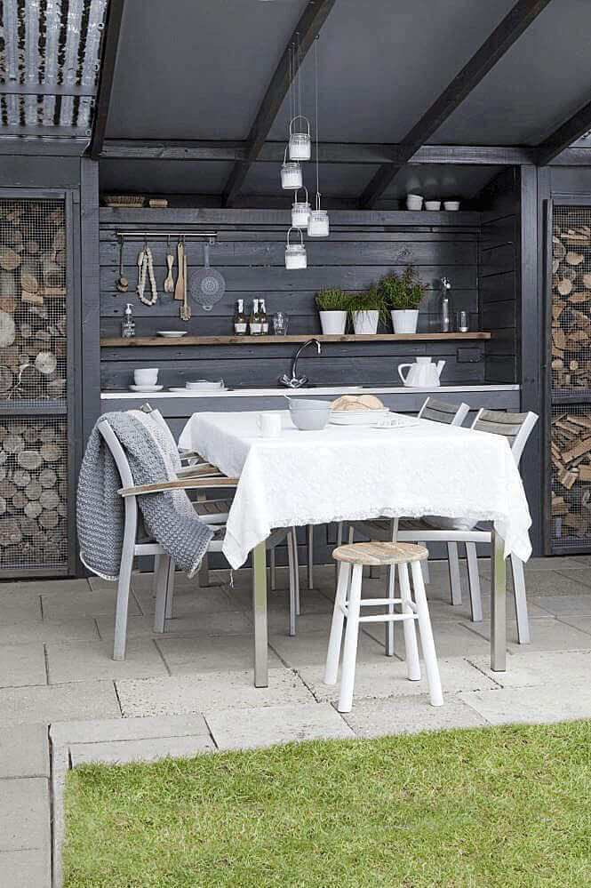 outdoor kitchen ideas for small spaces