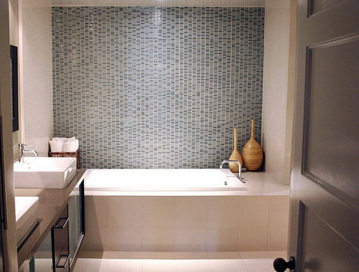 5 Decorating Ideas for Small Bathrooms | Home Decor Ideas on Small Space Small Bathroom Ideas With Shower id=17284