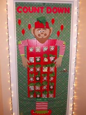 Easy DIY Office Christmas Decoration Ideas 07