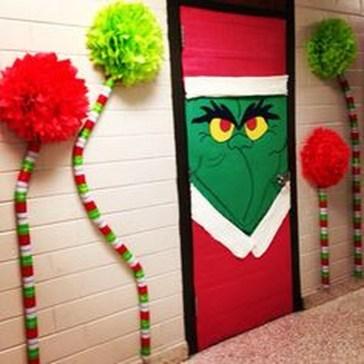 Easy DIY Office Christmas Decoration Ideas 18