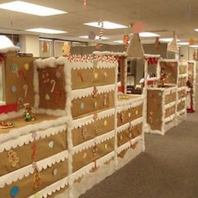 Easy DIY Office Christmas Decoration Ideas 24