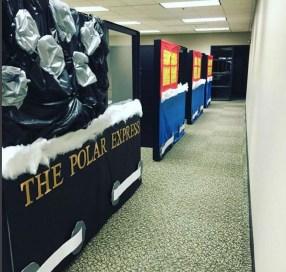 Easy DIY Office Christmas Decoration Ideas 28