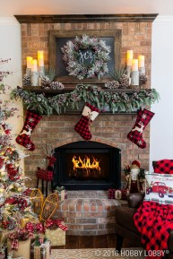 Inspiring Rustic Christmas Fireplace Ideas To Makes Your Home Warmer 32