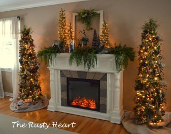 Inspiring Rustic Christmas Fireplace Ideas To Makes Your Home Warmer 52