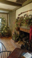 Inspiring Rustic Christmas Fireplace Ideas To Makes Your Home Warmer 59