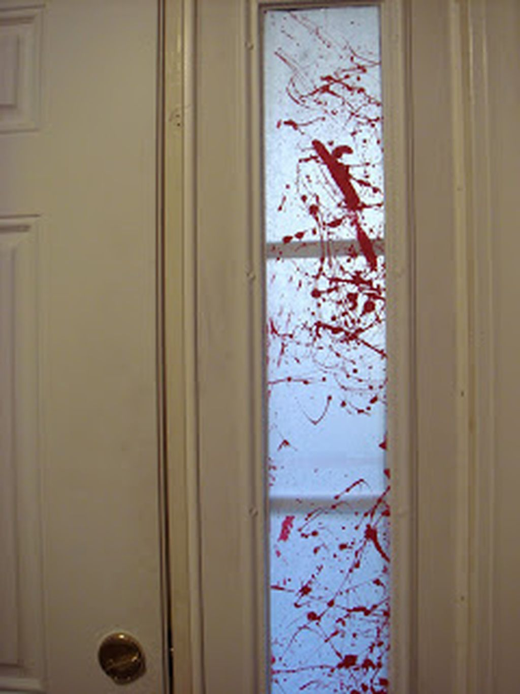 Scary But Creative DIY Halloween Window Decorations Ideas You Should Try 29
