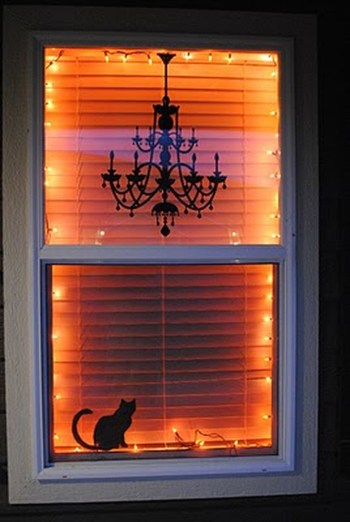 Scary But Creative DIY Halloween Window Decorations Ideas You Should Try 36