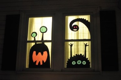 Scary But Creative DIY Halloween Window Decorations Ideas You Should Try 46