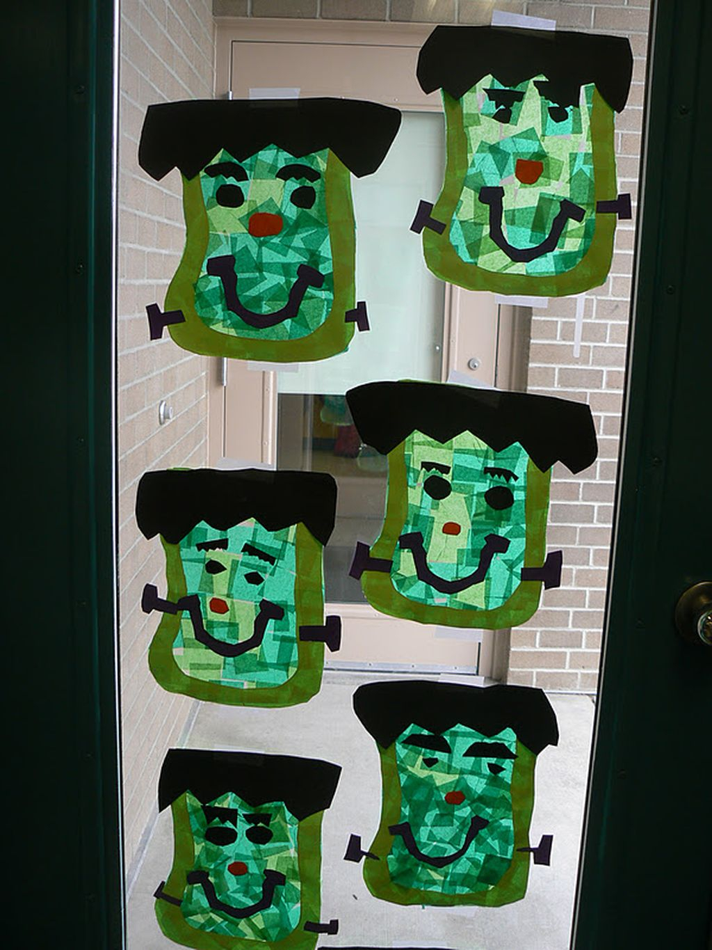 Scary But Creative DIY Halloween Window Decorations Ideas You Should Try 60