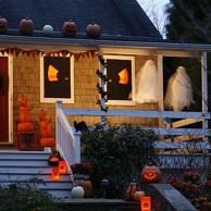 Scary But Creative DIY Halloween Window Decorations Ideas You Should Try 65