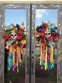 Scary But Creative DIY Halloween Window Decorations Ideas You Should Try 74