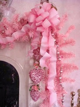 Adorable Pink And Purple Christmas Decoration Ideas 22