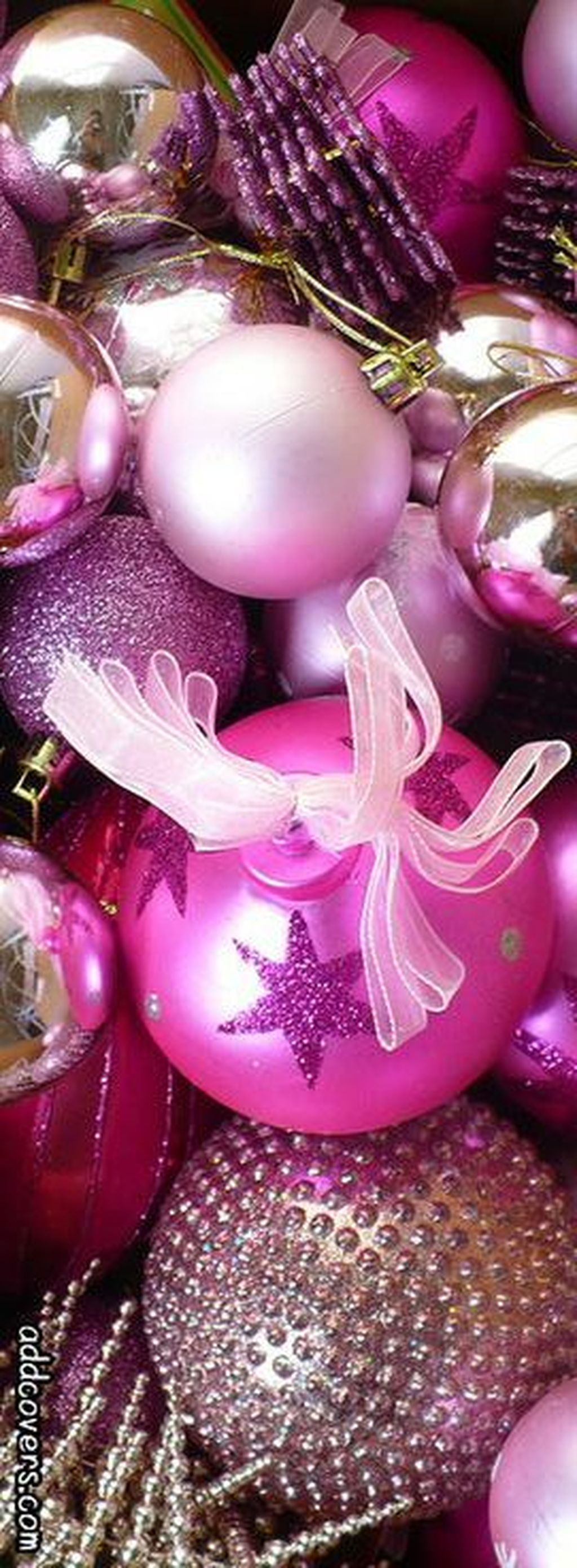 Adorable Pink And Purple Christmas Decoration Ideas 23