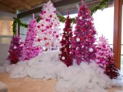 Adorable Pink And Purple Christmas Decoration Ideas 39
