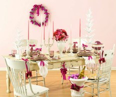 Adorable Pink And Purple Christmas Decoration Ideas 44