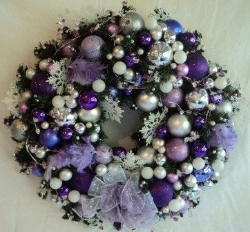 Adorable Pink And Purple Christmas Decoration Ideas 47