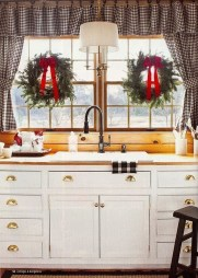 Adorable Rustic Christmas Kitchen Decoration Ideas 05