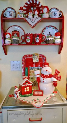 Adorable Rustic Christmas Kitchen Decoration Ideas 17