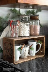 Adorable Rustic Christmas Kitchen Decoration Ideas 24