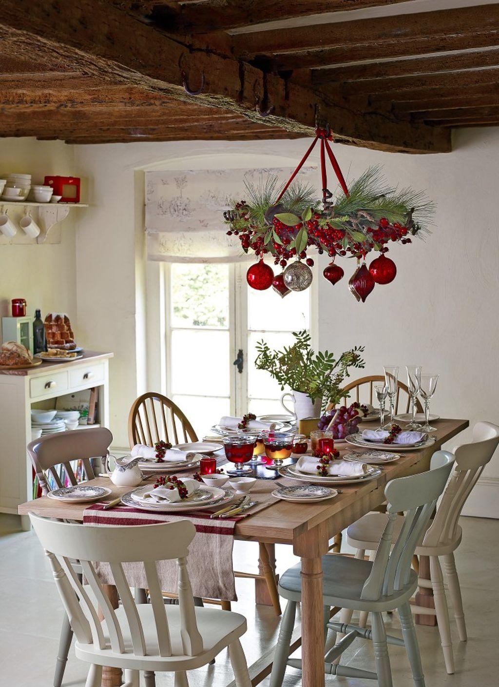 Adorable Rustic Christmas Kitchen Decoration Ideas 28