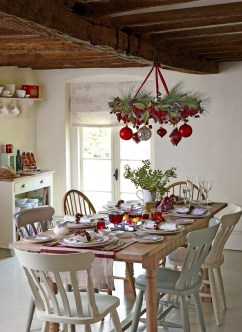 Adorable Rustic Christmas Kitchen Decoration Ideas 28