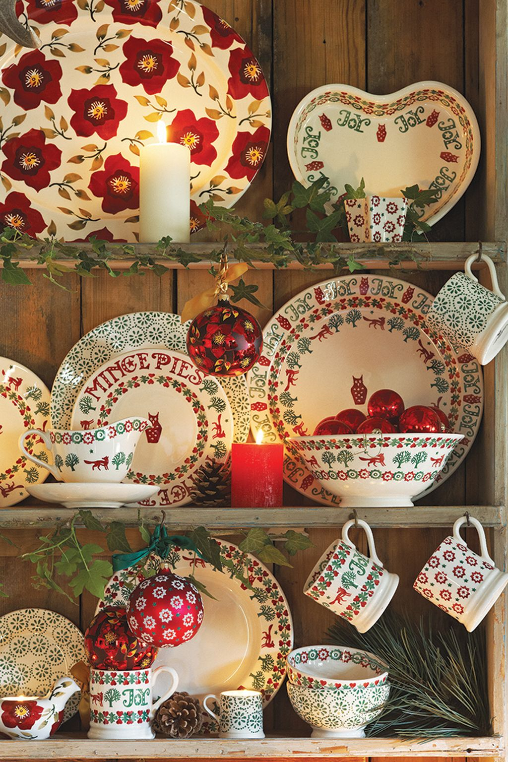 Adorable Rustic Christmas Kitchen Decoration Ideas 63