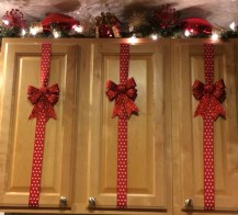 Adorable Rustic Christmas Kitchen Decoration Ideas 75