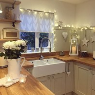 Adorable Rustic Christmas Kitchen Decoration Ideas 76