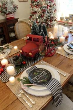 Adorable Rustic Christmas Kitchen Decoration Ideas 83