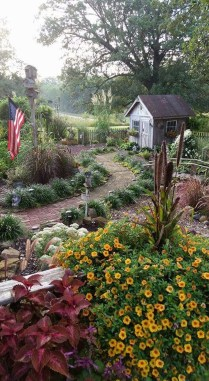Cozy And Relaxing Country Garden Decoration Ideas You Will Totally Love 24